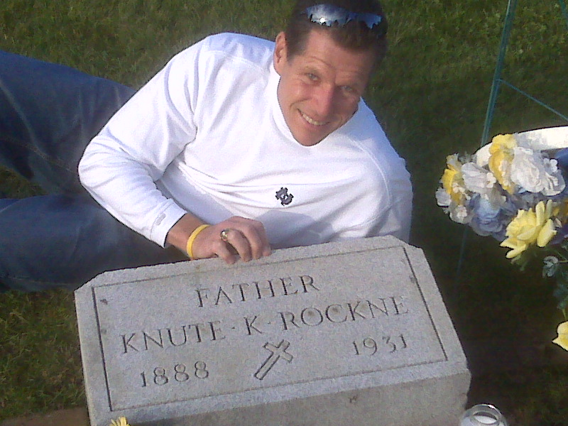 paying-respects-to-knute